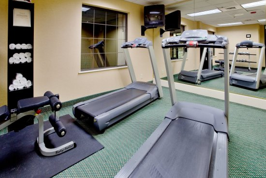 Cary, Carolina del Nord: Maintain your exercise routine while away from home