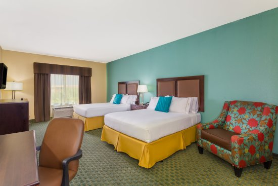 Surprise, AZ: ADA/Handicapped accessible Two Queen Guest Room with mobility tub