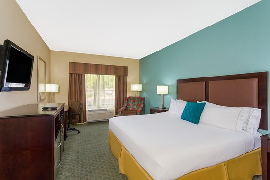 Surprise, AZ: ADA/Handicapped accessible King Guest Room with roll-in shower