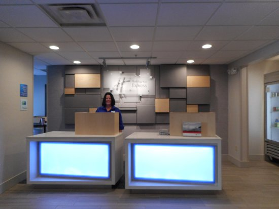 Fairfield, OH: Front Desk