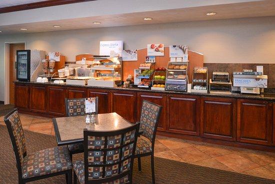 Morgantown, Virginia Occidental: Breakfast Bar