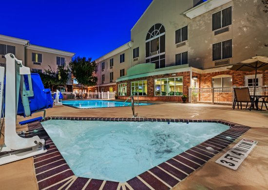Holiday Inn Express Eagle Pass: Whirlpool