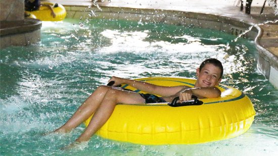 Baxter, MN: Just relax tubing down the lazy river