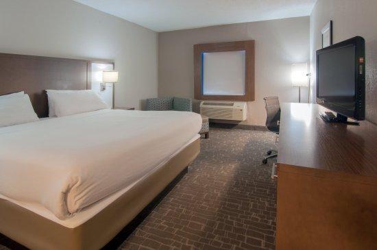 Holiday Inn Express Hotel & Suites Nashville - I-40 & 1-24 (Spence Lane) : King Bed Guest Room