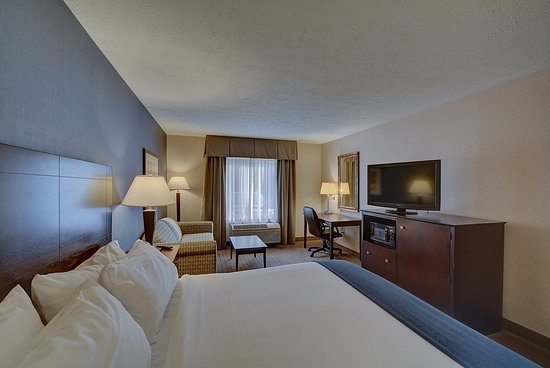 Keene, NH: King Bed Guest Room