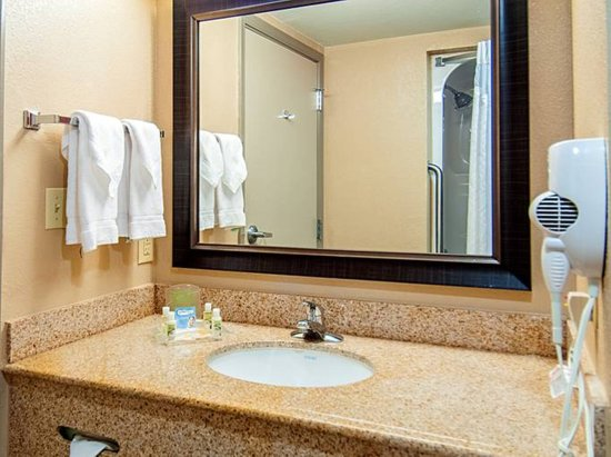 "Holiday Inn Opelousas: We offer ""Forget Items"" plus a hairdryer in all rooms"