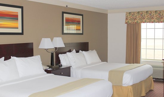 Plainview, TX: Two Queen Beds