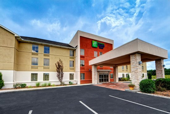 Photo of Holiday Inn Express & Suites Crossville