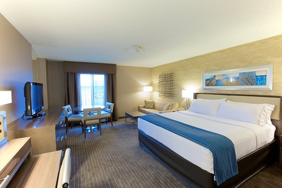 Holiday Inn Express Fargo - West Acres: Guest Room