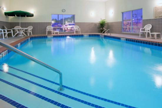 Mineral Wells, Virginia Occidental: Enjoy swimming in our indoor heated pool