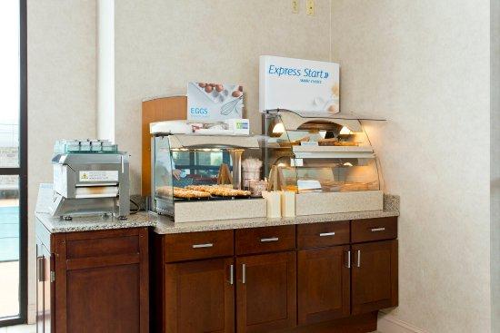Stephens City, VA: Complimentary Hot Breakfast Bar