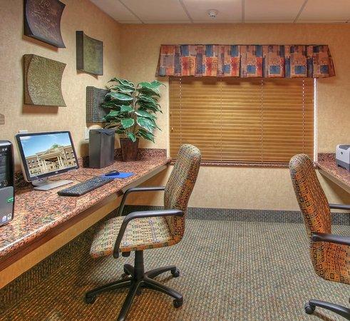 Las Vegas, NM: Business Center