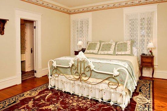 Corinthian Bed & Breakfast