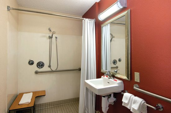 ADA Accessible Bathroom Picture of Red Roof Inn Baton Rouge – Accessible Bathroom