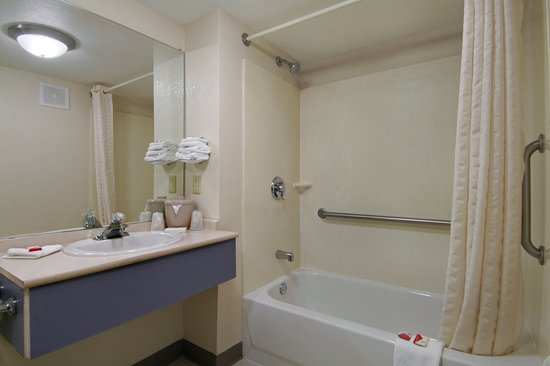 Ridgeland, MS: ADA Accessible Bath