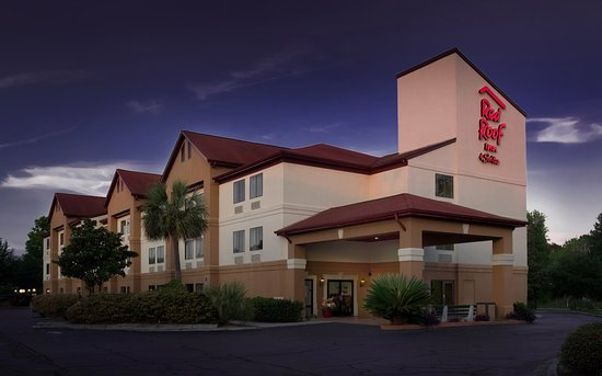 Red Roof Inn & Suites Savannah: Exterior Twilight