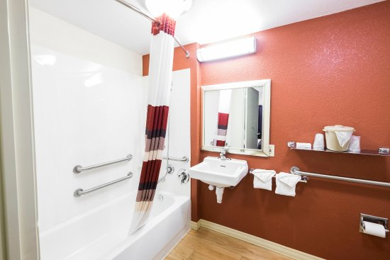 ฟรามิงแฮม, แมสซาชูเซตส์: ADA Bathroom