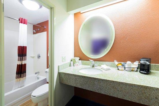 ฟรามิงแฮม, แมสซาชูเซตส์: Bathroom