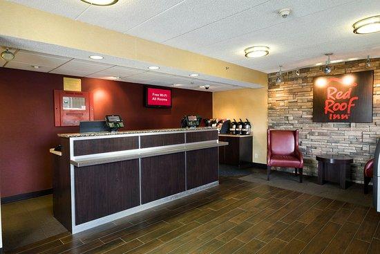 Red Roof Inn Boston Framingham: Lobby