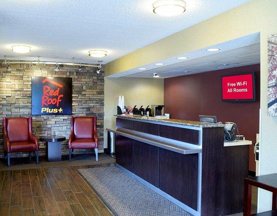 Amherst, NY: Lobby