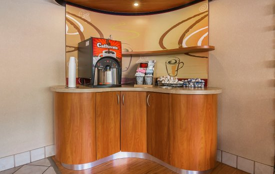 Red Roof Inn Orlando   International Drive/Convention Center: Coffee Area