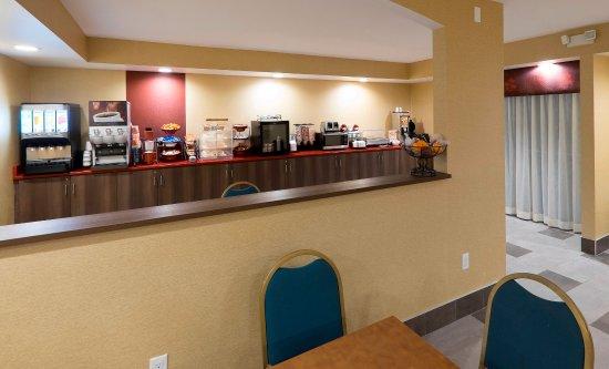 Falconer, État de New York : Breakfast Area
