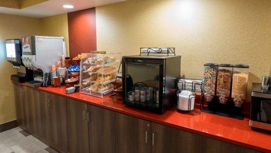 Falconer, NY: Breakfast Area