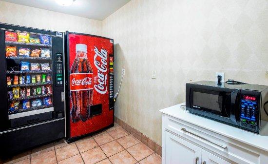 แมนส์ฟีลด์, แมสซาชูเซตส์: Vending Area