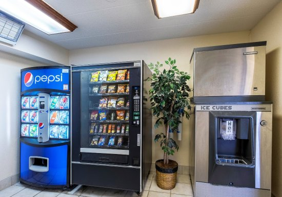Stockbridge, GA: Vending Area