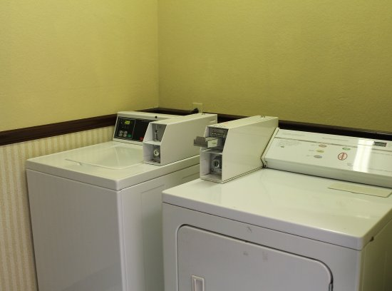 Stockbridge, GA: Guest Coin Laundry