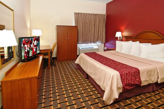 Brandon, MS: Two Room King Suite