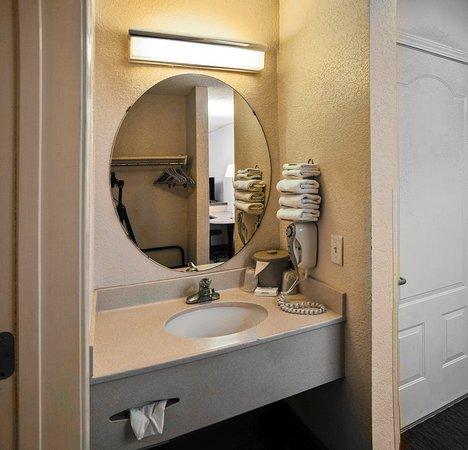 Milton, FL: Vanity