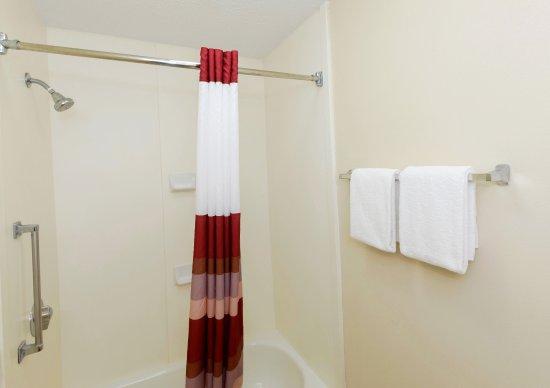 Troutville, Virginie : ADA Bathroom