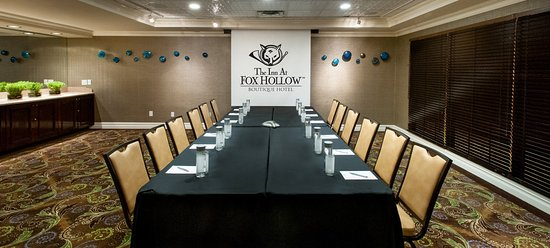 Woodbury, NY: Inn At Fox Hollow Boardroom