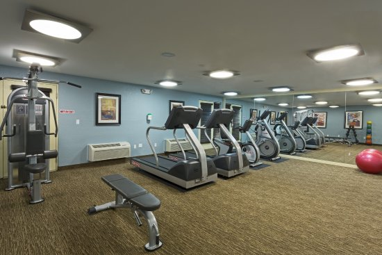 Holiday Inn Express and Suites Fort Lauderdale Executive Airport: Work out in our fully-equipped Fitness Center