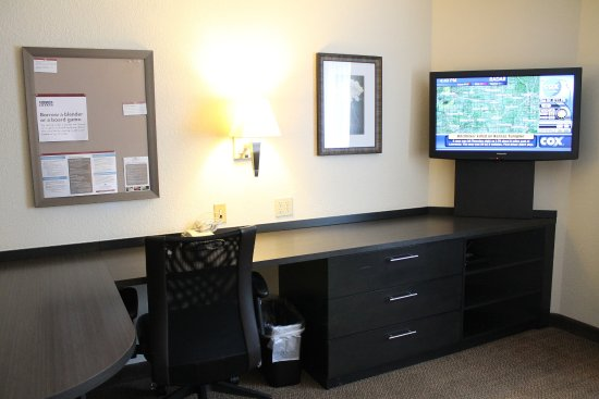 Brentwood, Τενεσί: Enjoy extra space and a 37 inch TV!