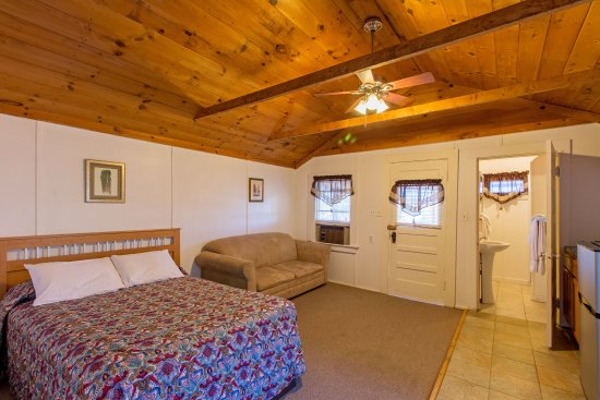 Weirs Beach, NH: Cottage #12