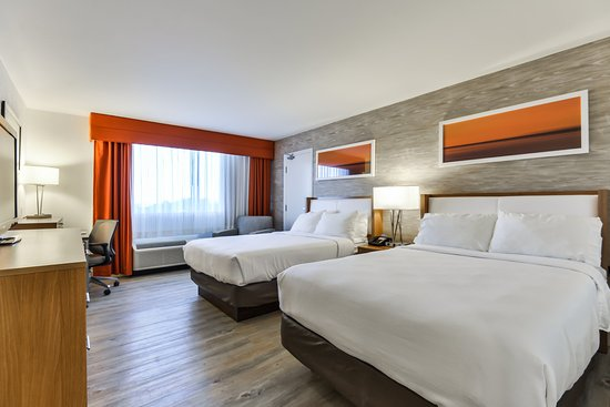 Holiday Inn Kitchener: Guest Room