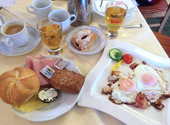 Aich, Österreich: Kleiner Auszug aus Frühstücksangebot