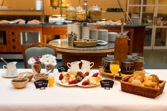 Adria Hotel Prague: Breakfast