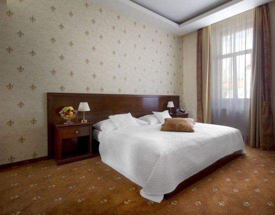 Louren Hotel: Superior Double Room
