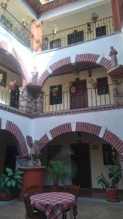 Hotel Molino Del Rey: un bonito patio central