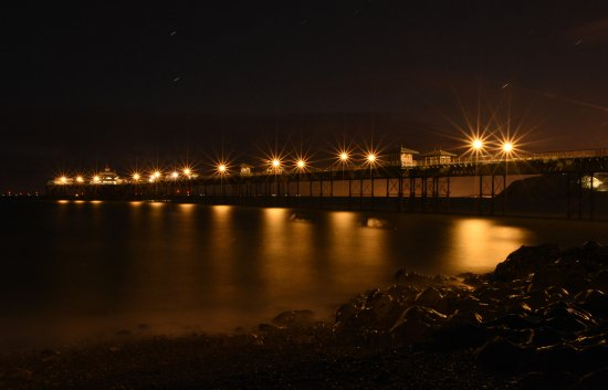 St. George's Hotel: Pier at night
