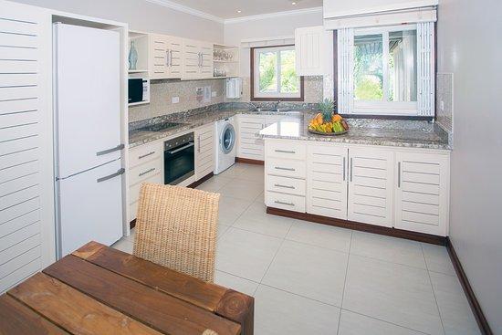 Sables d'Or Luxury Apartments : Sables d'Or - Kitchen