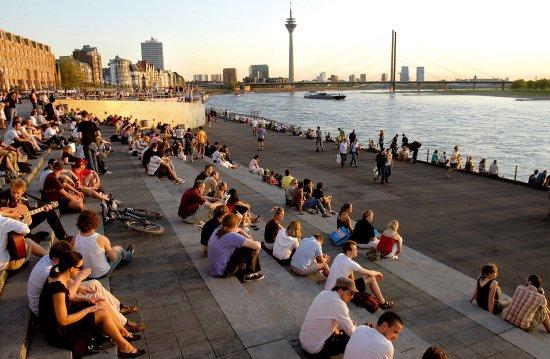 Neuss, Tyskland: The Rhine, Düsseldorf Marketing & Tourismus, photographer U. Otte