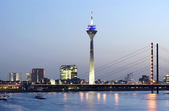 Neuss, Tyskland: Rhine Tower Düsseldorf Marketing & Tourismus, photographer U. Otte