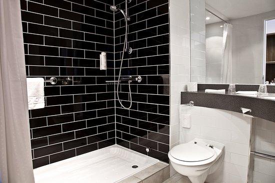 Greenock, UK: Guest Bathroom