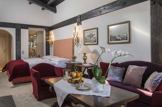 Zurs, Αυστρία: Junior Suite with fireplace