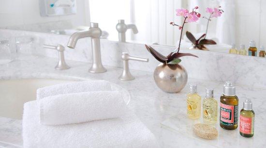 Hotel Elysees Regencia Paris: Bathroom