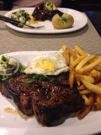 The Grumpy Griller: Nice rump but tough/gristly T-bone - good flavour though